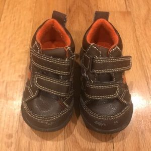 Baby brown boots size 4